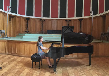 Lara sells out Westminster Cathedral Hall for the Chopin Society