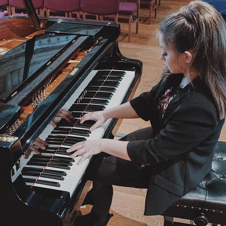 Lara rehearsing at Wesley Chapel, Harrogate