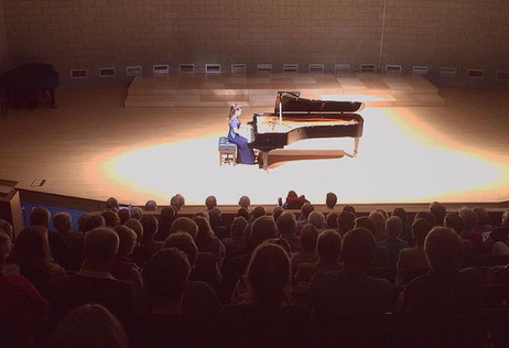 Lara sells out the Wiltshire Music Centre!