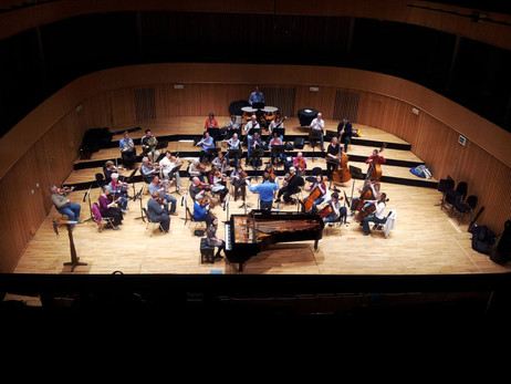 Lara rehearsing Beethoven Piano Concerto no. 3 with Tom Jarvis and the Birmingham RO