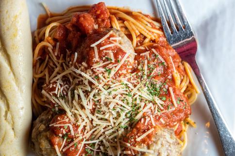 Antoinettes_Spaghetti&HomeMadeMeatballs7