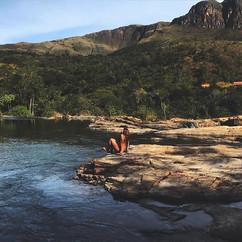 Sextou com a plenitude da _bellarm _Venha conhecer a #CachoeiraDoQuilombo com a _quilombot