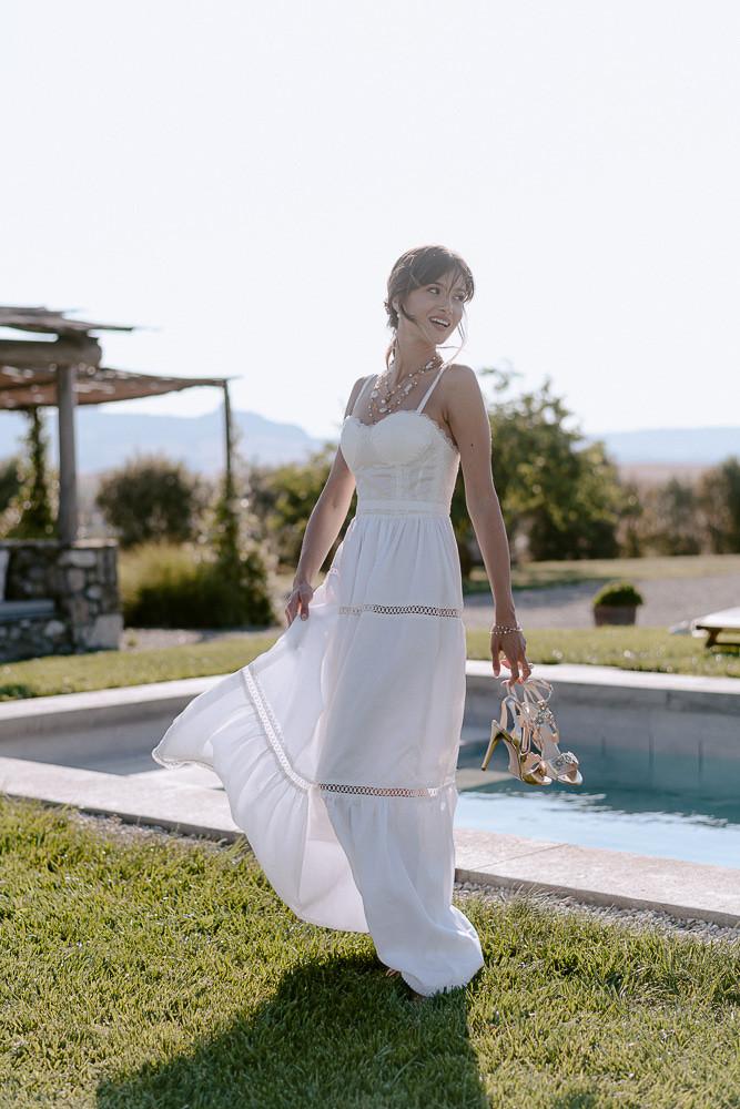 abito da sposa boho chic in organza di cotone, interamente realizzato a mano a Firenze da Andreia Cruz
