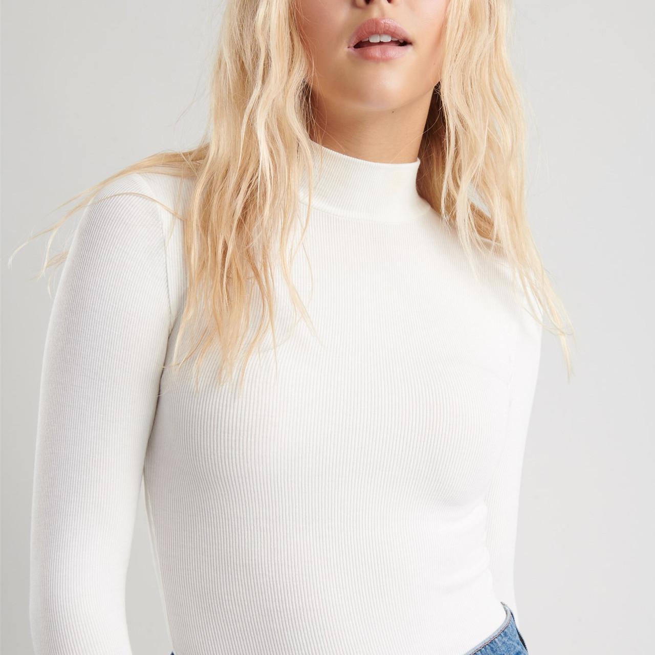 mock neck - white