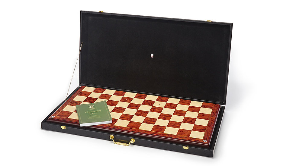 Case containing a foldable Quaternity chessboard
