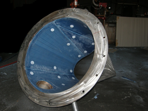 Tivar 88_Hopper for mineral sands_ Round hopper pre-instal into main body