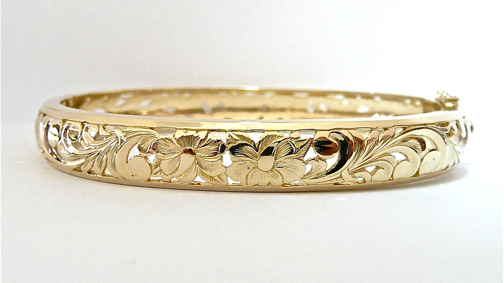 8mm 14K Gold Hibiscus Flower Bangle