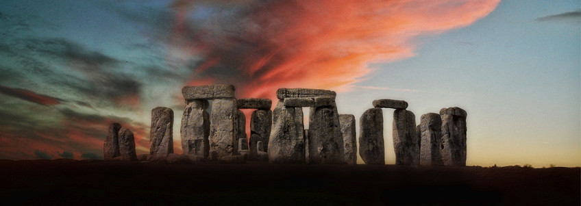 Or, like the Royals, would you like to escape the city and visit some truly beautiful countryside, impressive mansions, stylish gardens, or even the mystical Stonhenge?