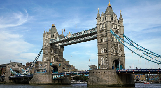 Do you want to shake your students up and give have them experience the history of London in and inspiring and entertaining way?