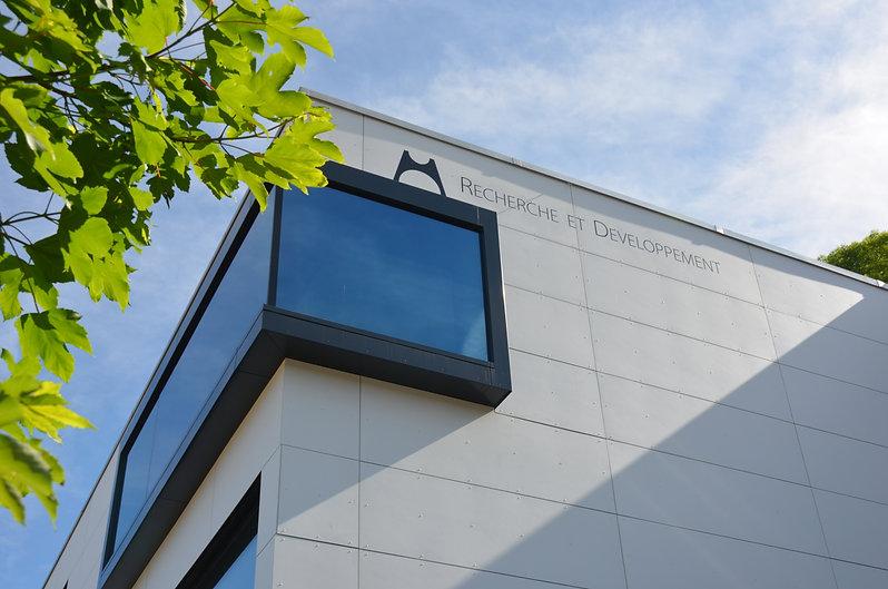 Metalem SA, manufacture de cadrans soignés et son pôle de Recherche et Developpement