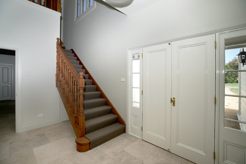 5 entry & staircase