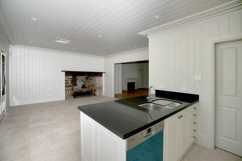 8 kitchen & fireplace