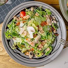 Салат с  авокадо и тай шримп