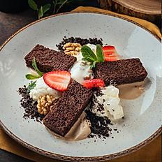 Шоколадный кейк с кофейным муссом