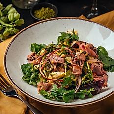 Салат с ростбифом и соусом «Том Ям»