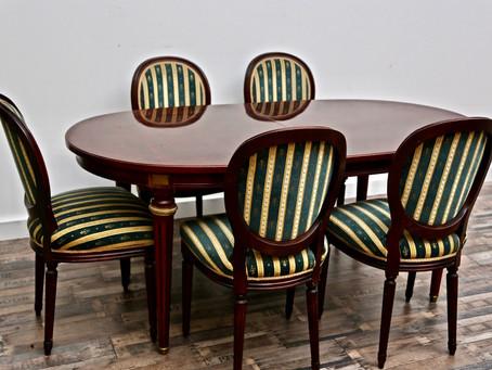 Esstisch ausziehbar / 5 STK. Stühle / Mahagoni