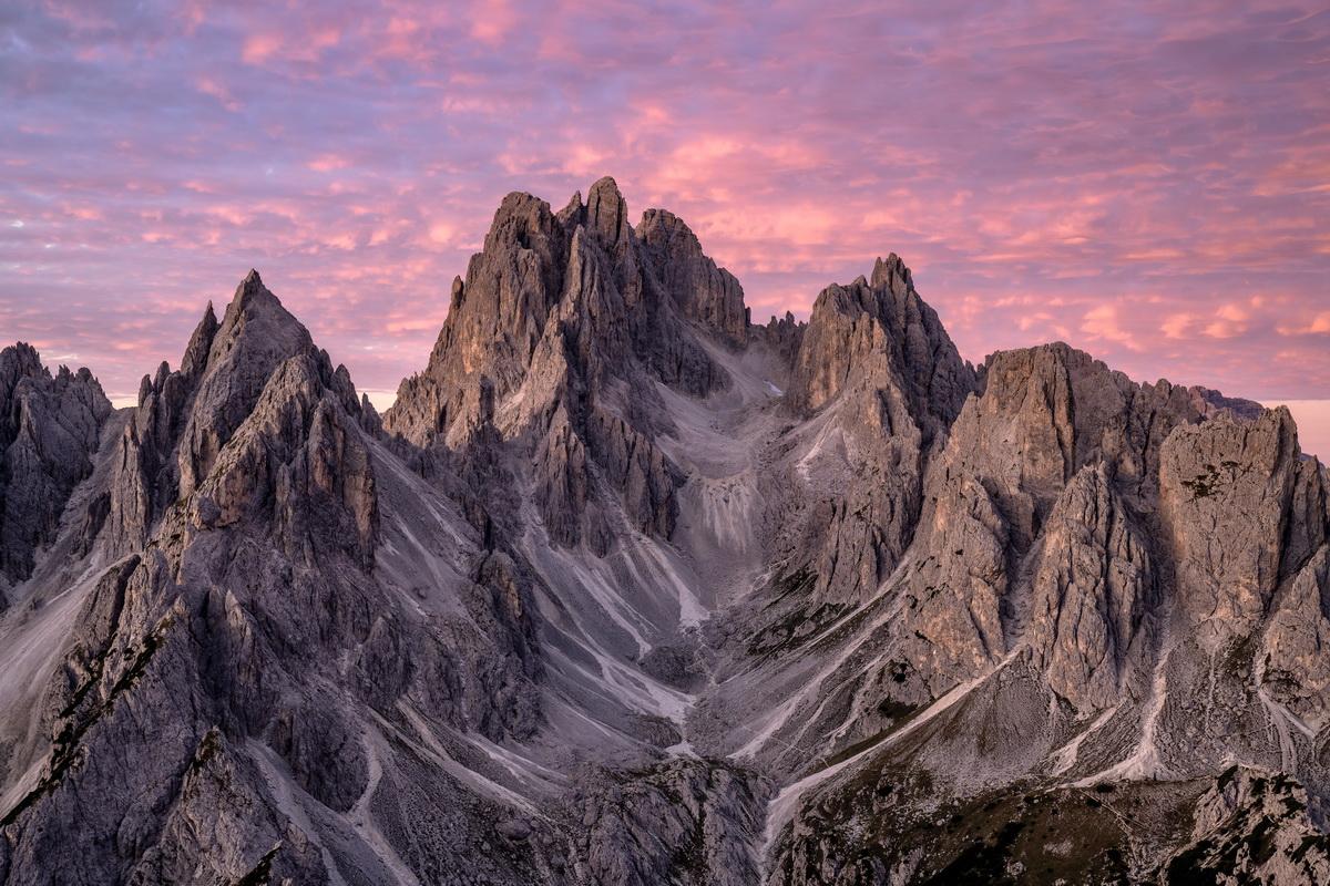 Sonnenaufgang in den Sextener Dolomiten