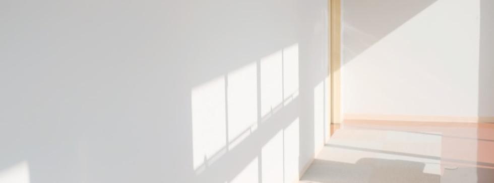 光のあたる廊下