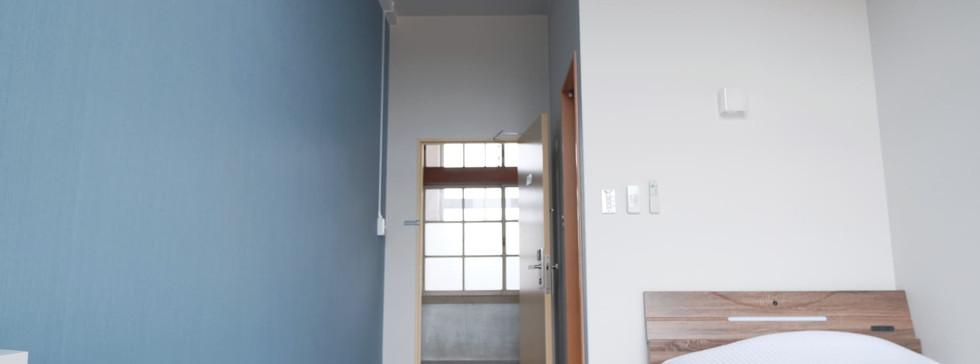 個室 / blue