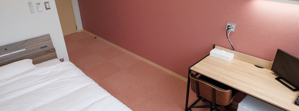 個室 / red