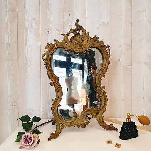 ancien miroir sur pied