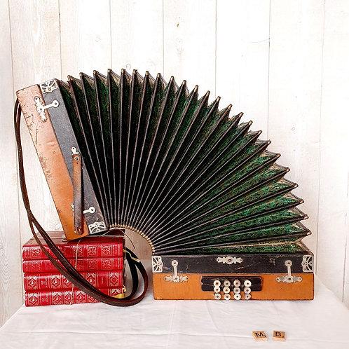 ancien accordéon diatonique
