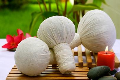 Massage Thai aux ballotins à Beauty Gate Laval