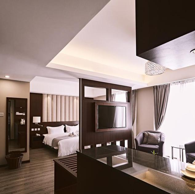 merintin master suite 03.jpg