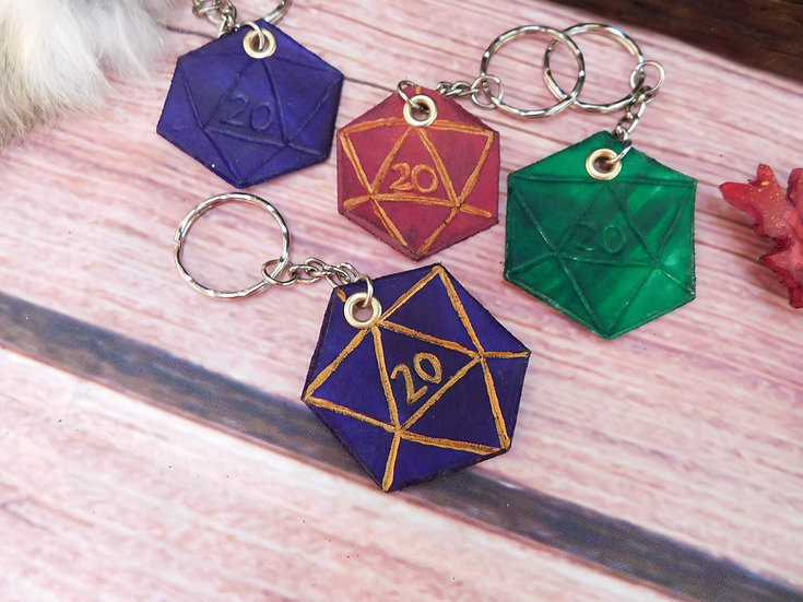 D20 Keyring - Leather hand-carved dice key chain d20