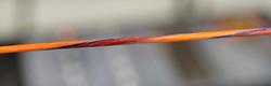 Orange-rot mit silber -blauen Pinestrip