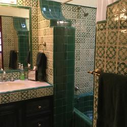 Casa Barranca front guest room bath with