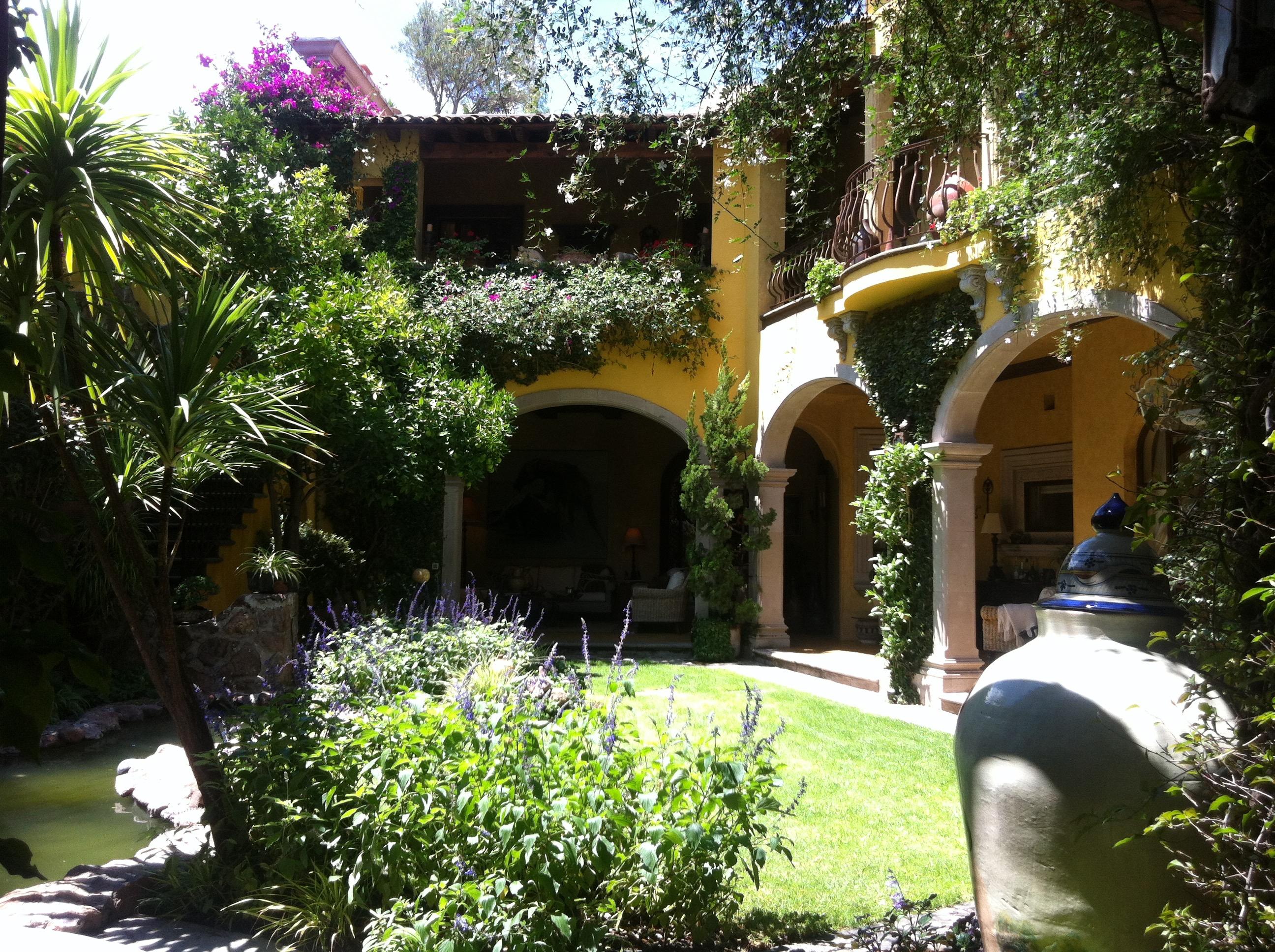 villaclarabella_03 garden 2 story ext