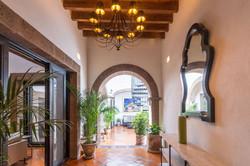 Photo Casa Sollano entry foyer