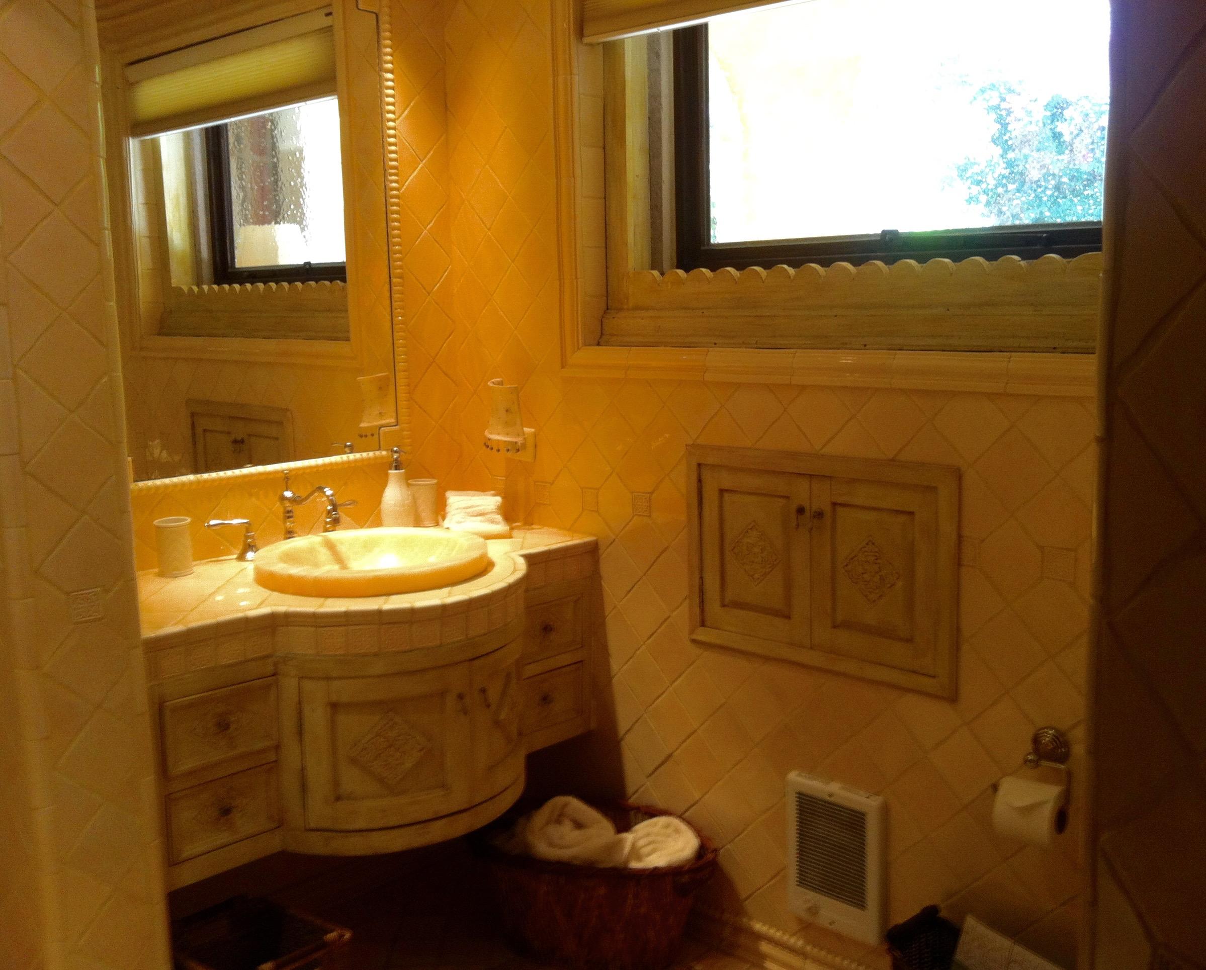 villaclarabella_17 guest bath 1st fl