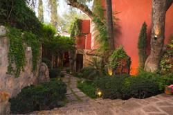CasaNola_27 garden path