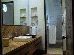 casadelaluz_10 guest bath 1