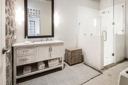 Casa Garita 17B guest bathroom
