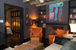 Casa Alegria TV room 2nd floor entry bed