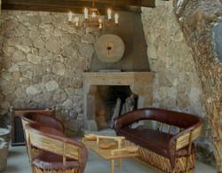 CasaEncantada_11 sala with fireplace