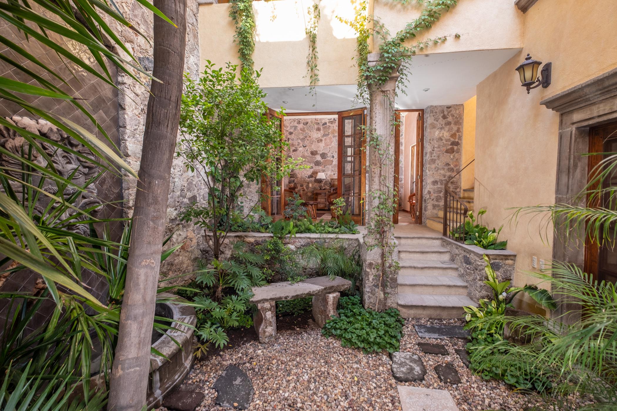 garden to 1st floor bedroom