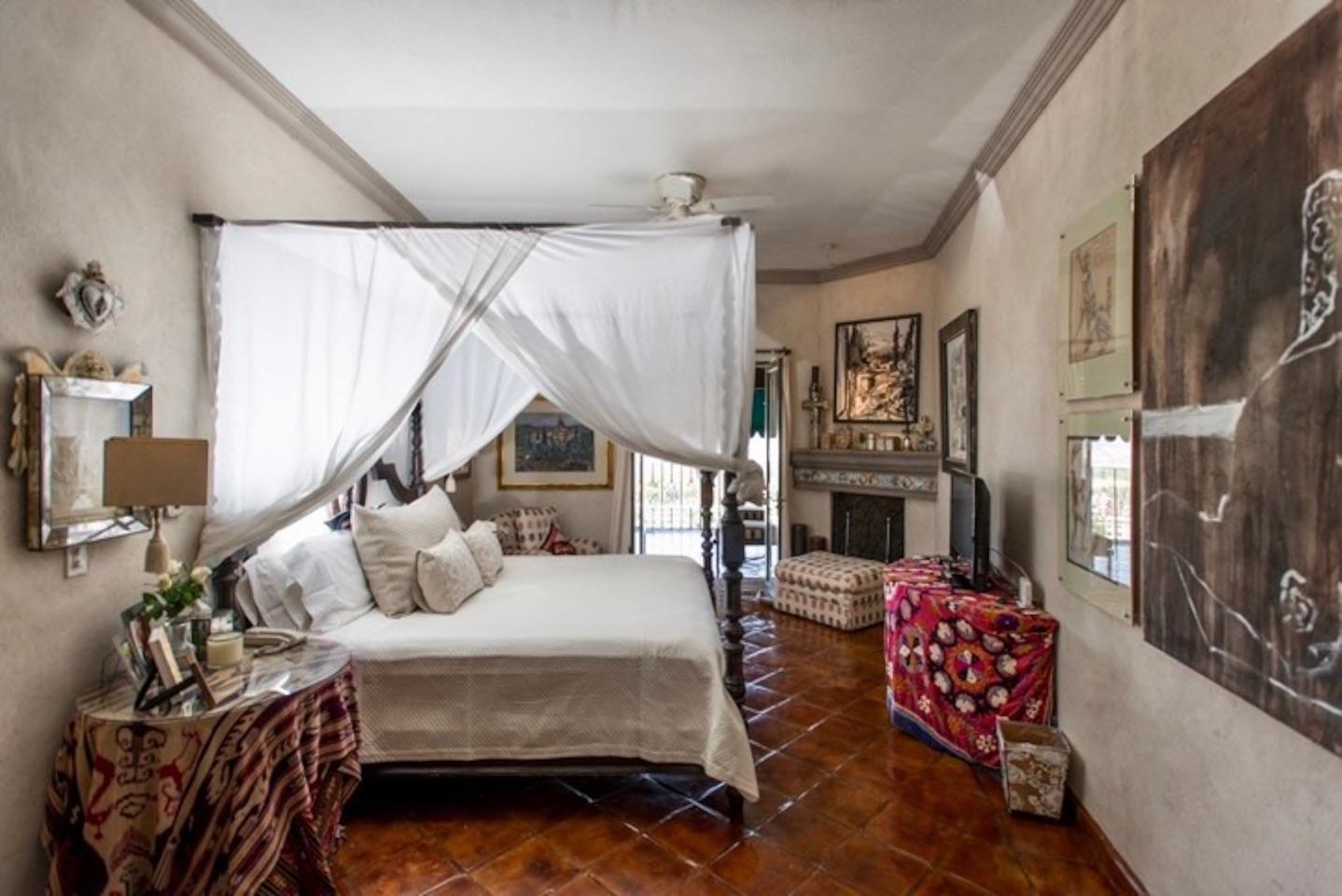 Casa Tres Angeles master bedrm