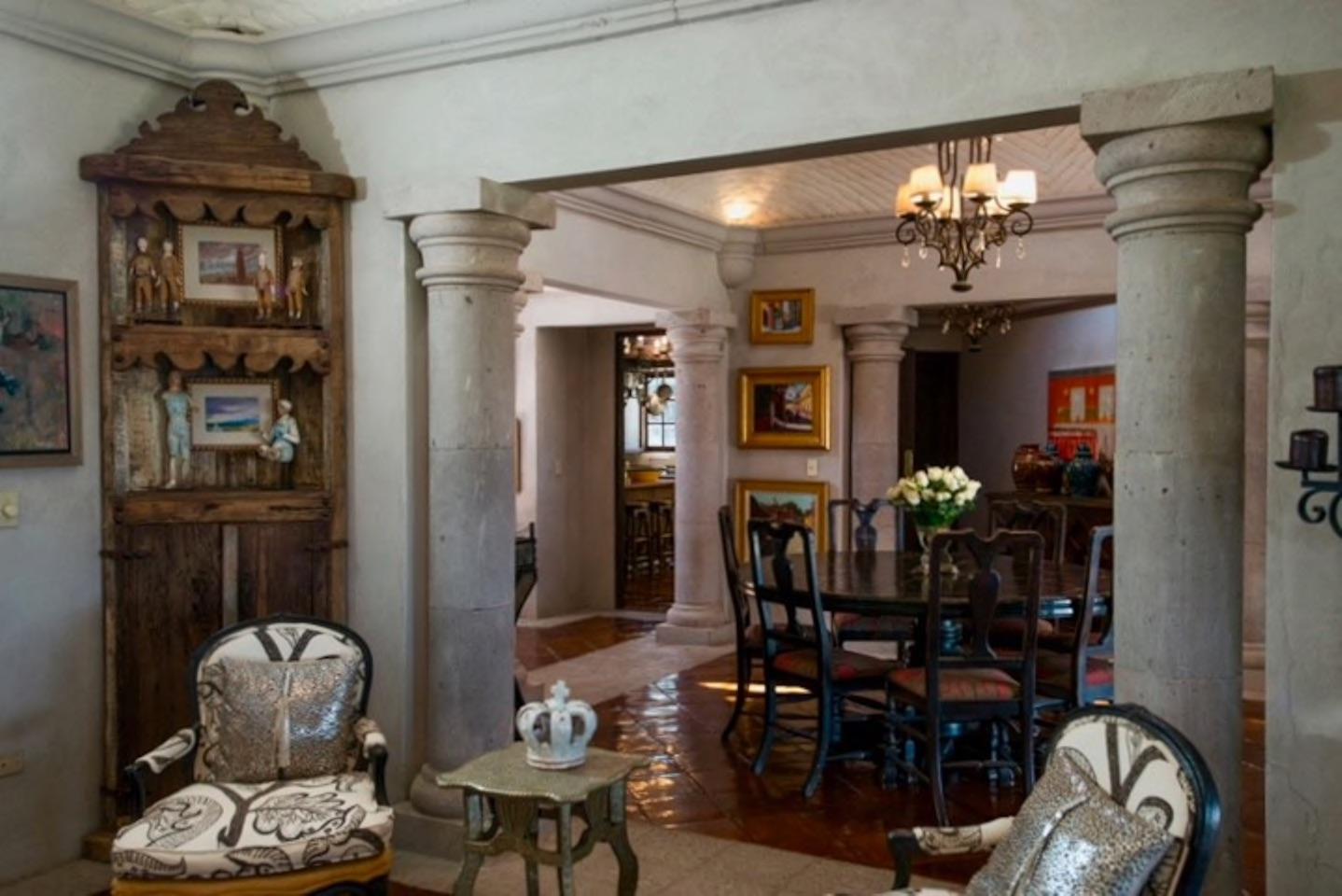 Casa Tres Angeles dining