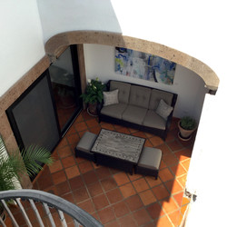 S29 outdoor seating main level