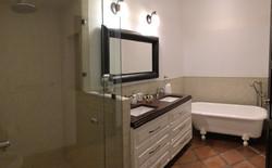 S29 master 1 N bath tub