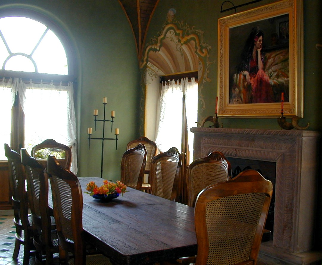 7-dining room with fireplace