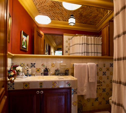 Casa Tres Angeles bath with showe