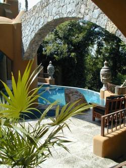 villaelcerrito_06 pool w arch