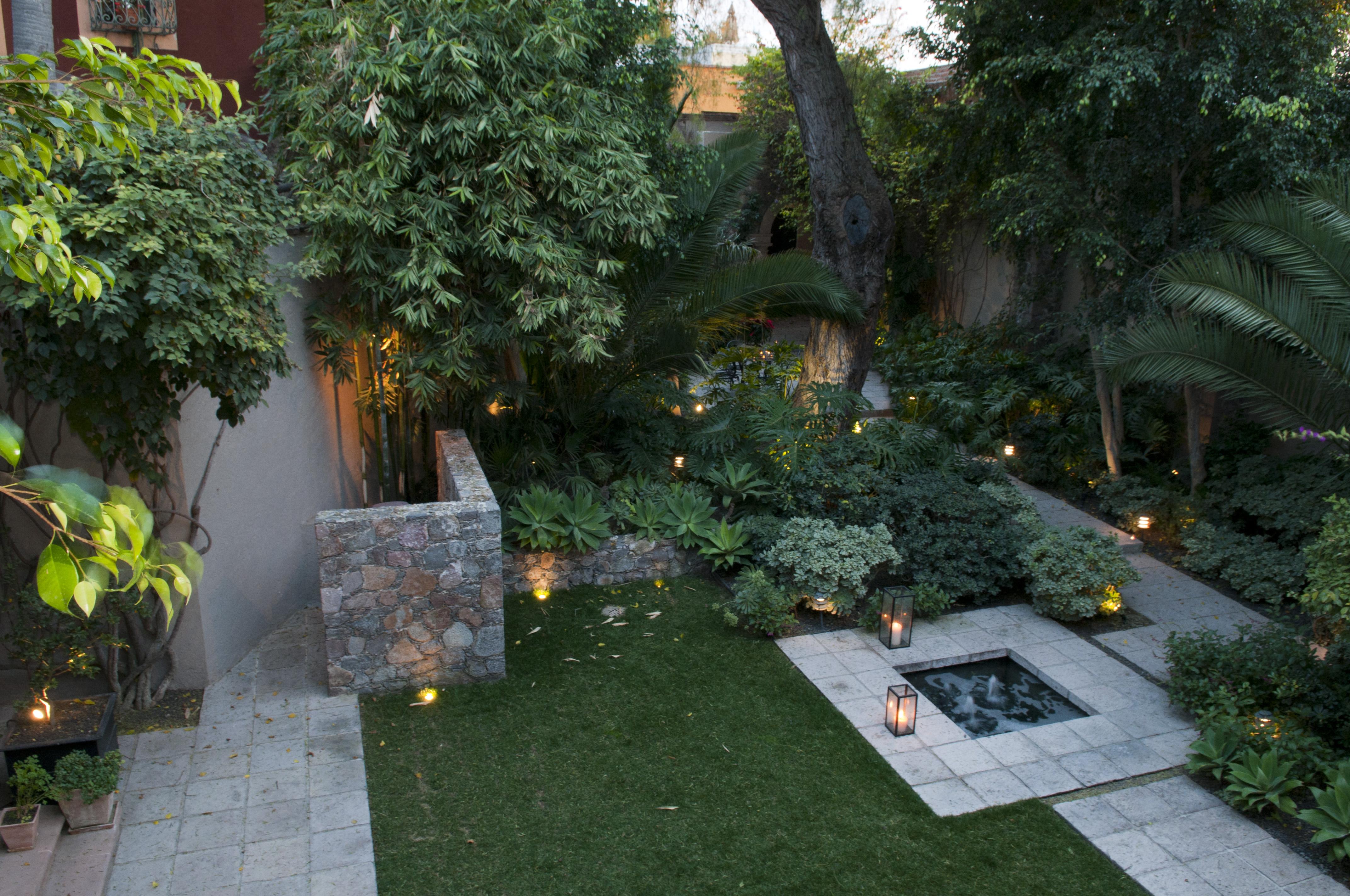 Casa Alegria garden 1