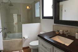 S29 bed 3 BATH with tub shower