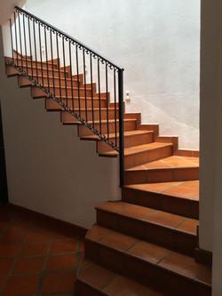 S29 kitchen stairway to 2nd level